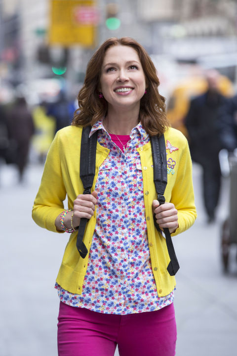 3) UNBREAKABLE KIMMY SCHMIDT Colored Jeans + Floral Shirt + Bright Cardigan + Backpack = Kimmy Schmidt